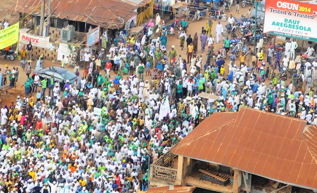 Governor State of Osun, Ogbeni Rauf Aregbesola (5th right first row) and other State Executives leading the crowd, during the 14th Edition of the Walk to live for Healthy Living Exercise in Ilobu, Irepodun/Orolu State Constituency on Saturday 18-01-2014