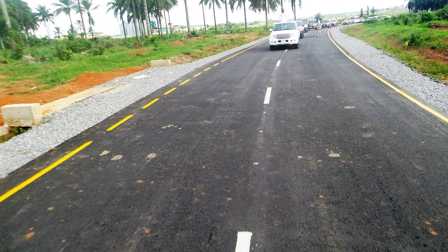 Governor State of Osun, Ogbeni Rauf Aregbesola leading the State Executives to inspect the 15 Ilesa Township Roads before the commissioning in the State of Osun on Tuesday 15-04-2014