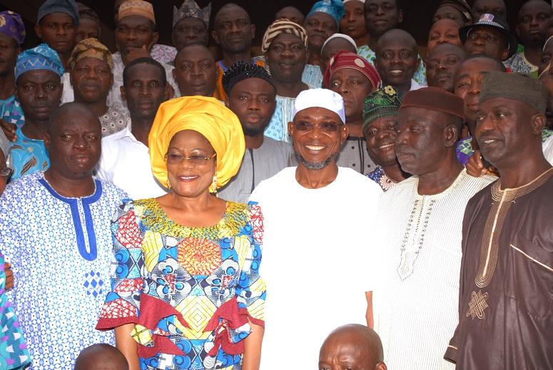 Governor State of Osun, Ogbeni Rauf Aregbesola (middle); his Deputy, MrsTiti-Laoye Tomori (2nd left); Chairman, 1999 Association of Local Governments of Nigeria (ALGON),Osun Chapter, Alhaji Kareem Afolabi (2nd right); Public Relations Officers of the association, Alhaji Rasheed Oyedele (right) and others, during a congratulatory visit to the Governor on his victory in the 2014 governorship election at Government House, Osogbo