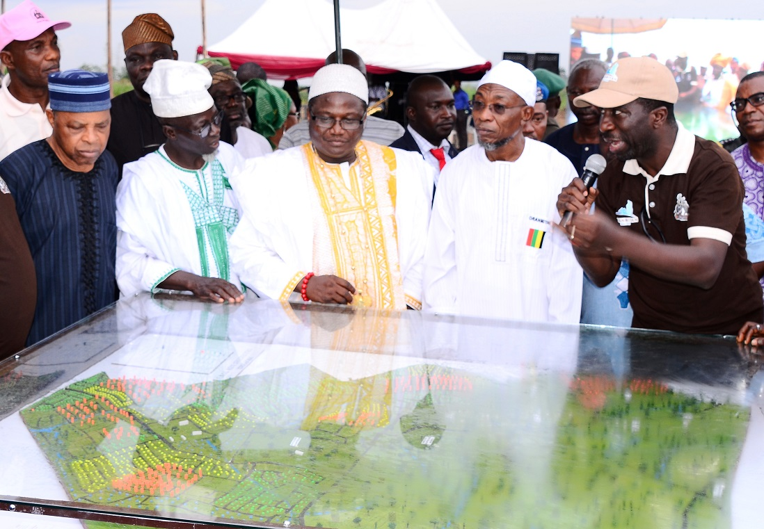 From right, Commissioner for Lands, Physical Planning and Urban Development, Architect Muyiwa Ige; Governor State of Osun, Ogbeni Rauf Aregbesola; Ataoja of Osogboland, Oba Jimoh Olanipekun; a Community Leader in Osogbo, Alhaji Gazali Owolabi; Former Chief of Defence Staff, Lieutenant-General Alani Akinrinade and others, during the Official Flag-Off and Model Unveiling for Oranmiyan New Town, at proposed Polo ground, Osogbo, State of Osun on Thursday 23-10-2014
