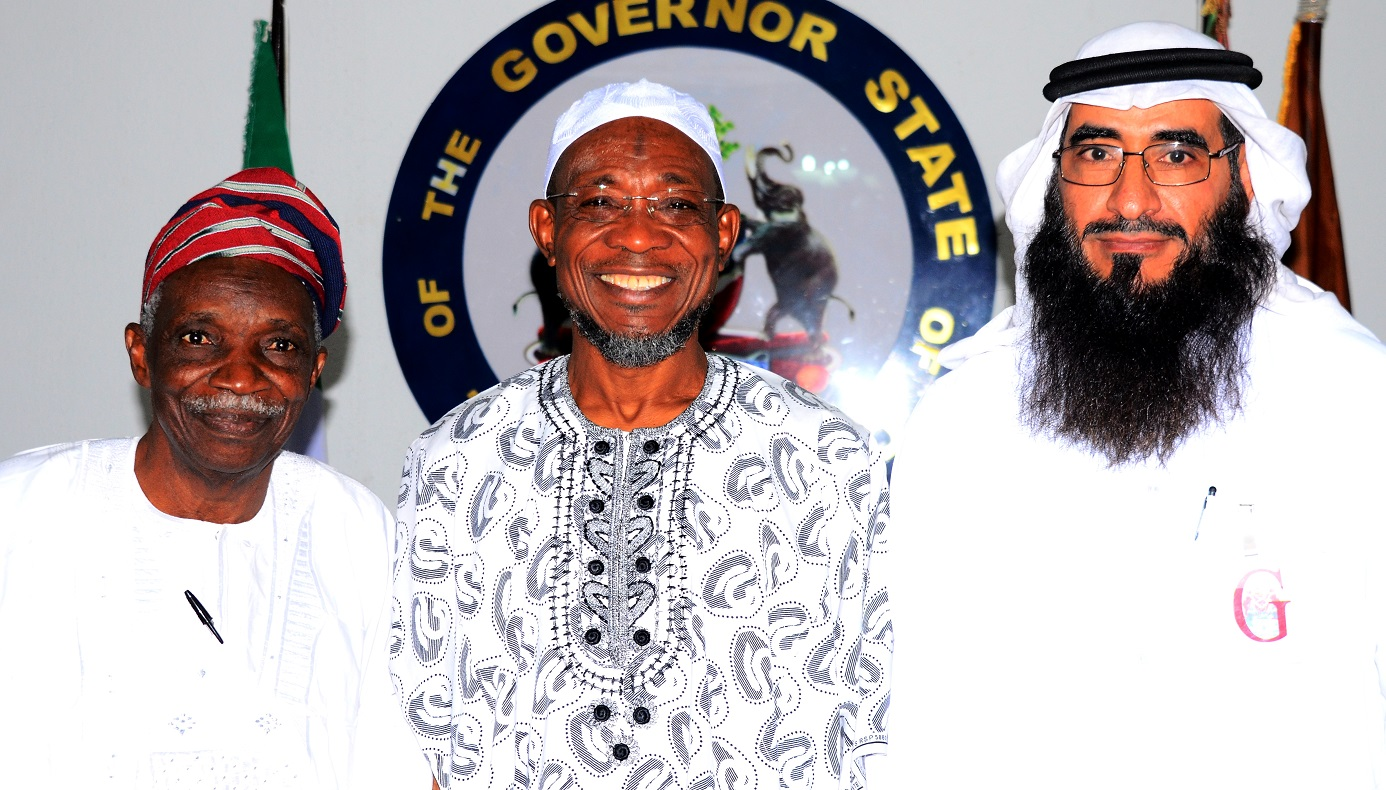 Governor State of Osun, Ogbeni Rauf Aregbesola (middle), Head of South Africa Committee in World Assembly of Muslim Youth (MAMY),Abdulrahman Al-Jammami (left), and Prof, Olosupo Oladipo during a Courtesy visit to the Governor, at Government house Osogbo, on Wednesday  20/01/2016.