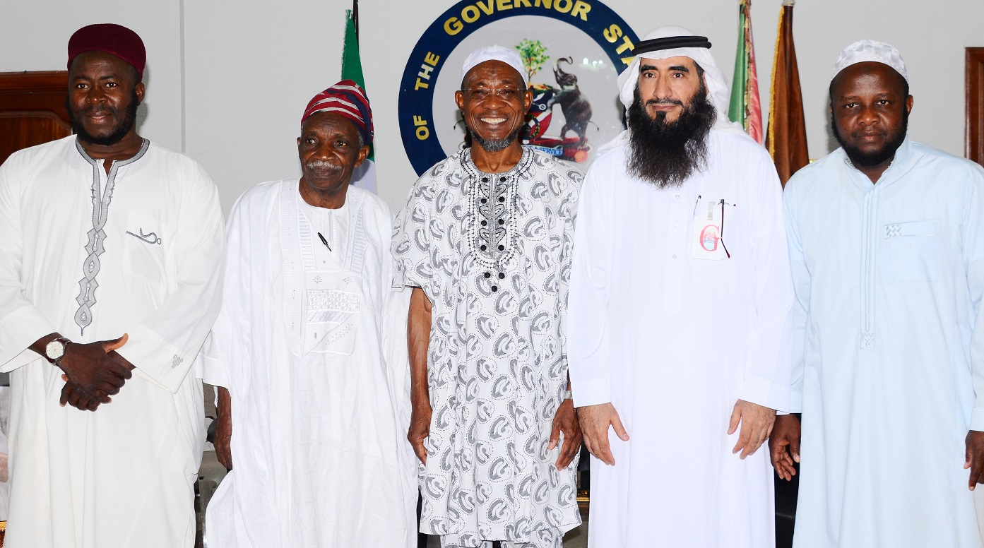 Governor State of Osun, Ogbeni Rauf Aregbesola (3rd right) Head of South Africa Committee in World Assembly of Muslim Youth (MAMY),Abdulrahman Al-Jammami (2nd right), Prof, Olosupo Oladipo (2nd left),National President  of Jama'at Ta'awun Muslimeen, Sheik Daood Imran Molaasan (left),and Provost Al-Hummah College of Education, Dr. Qosim Muhammed Tijani (right), during a Courtesy visit to the Governor, at Government House Osogbo, on Wednesday  20/01/2016.