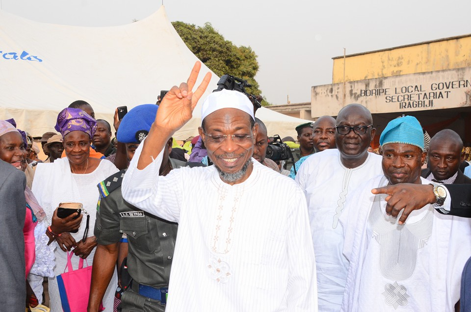 Ogbeni Aregbesola is warmly received by the people of Boripe LGA.