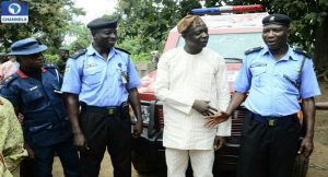 bosun-otintiloye-handing-over-the-amoured-carrier-to-police-300x162