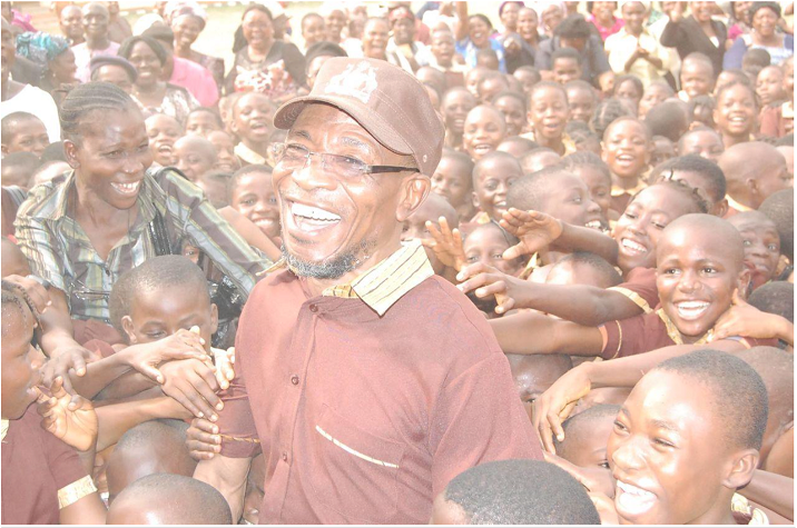 man-of-the-people-governor-of-the-state-of-osun-ogbeni-rauf-aregbesola-is-loved-by-the-masses-1