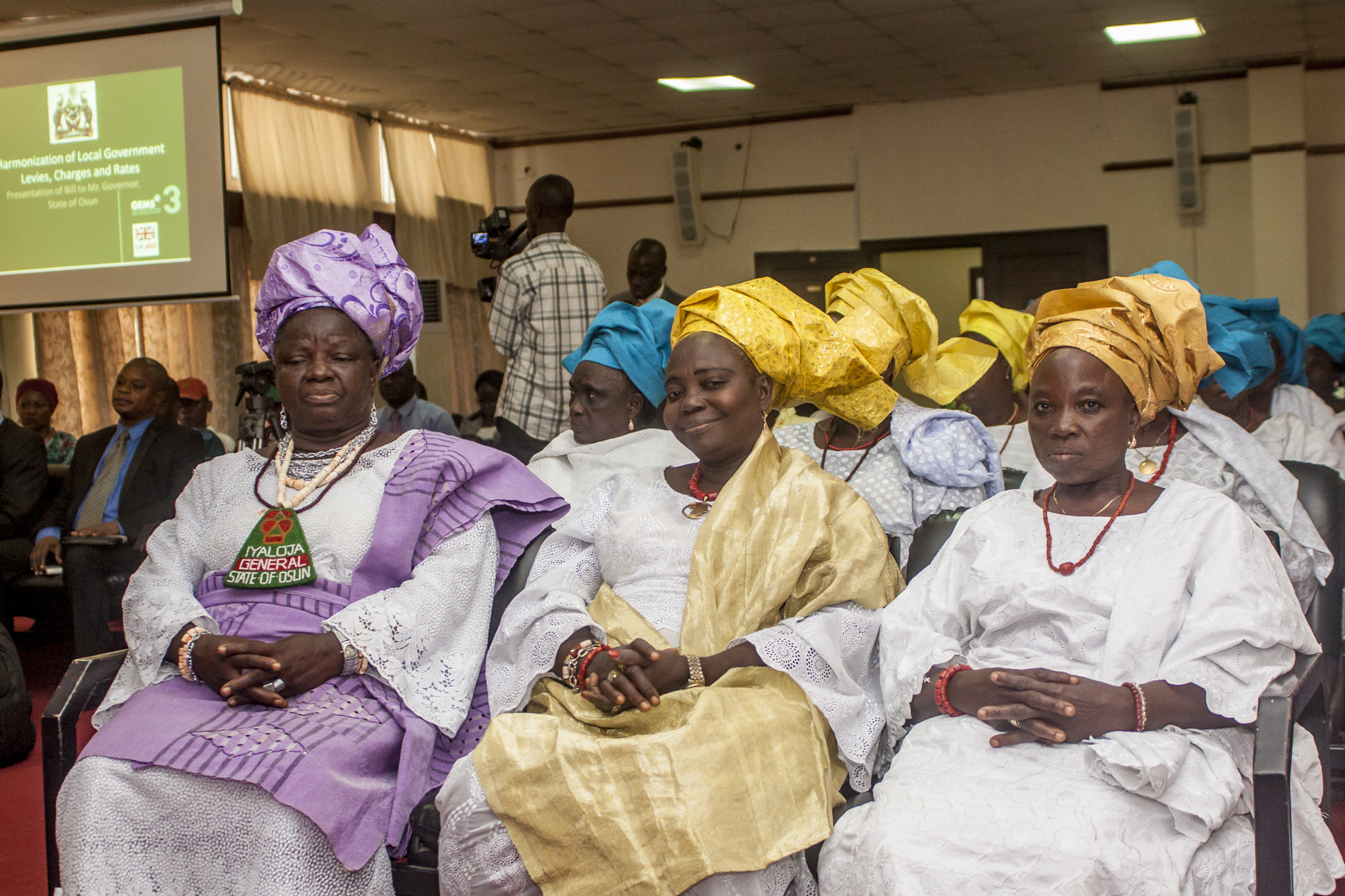 The Ijaloja General of the state of Osun and her entourage at the presentation of the bill